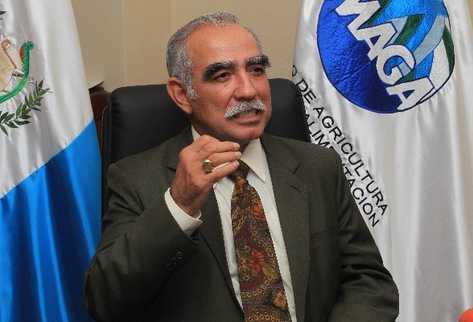 Efraín Medina, dejará el cargo de Ministro de Agricultura el 14 de enero, pero a la fecha no se ha nombrado a quien lo sustituirá. (Foto: Prensa Libre, Archivo).
