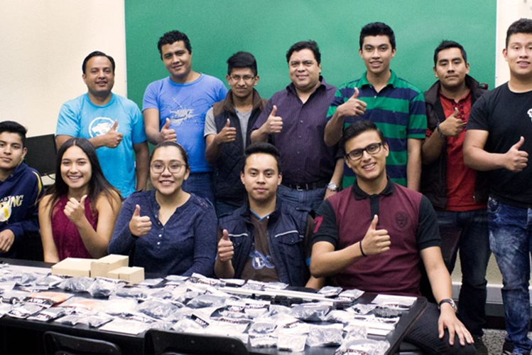 El equipo de Guatemala fue uno de los que más sorprendió, dijeron fuentes de First Global Challenge. FIRST GOBAL