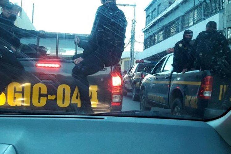 Operativo busca sicarios y extorsionistas en la zona 7. (Foto Prensa Libre: PNC)