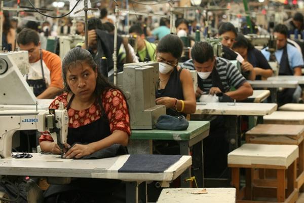<p>El salario mínimo de maquila es de Q68.91. (Foto Prensa Libre: Archivo)</p>