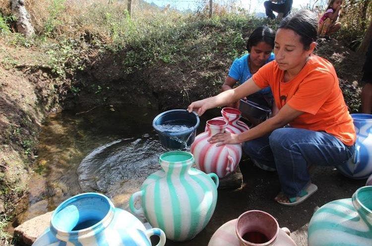 En Guatemala se carece de una ley de agua, un recurso que según ambientalistas es cada vez más escaso. (Foto Prensa Libre: Paulo Raquec)
