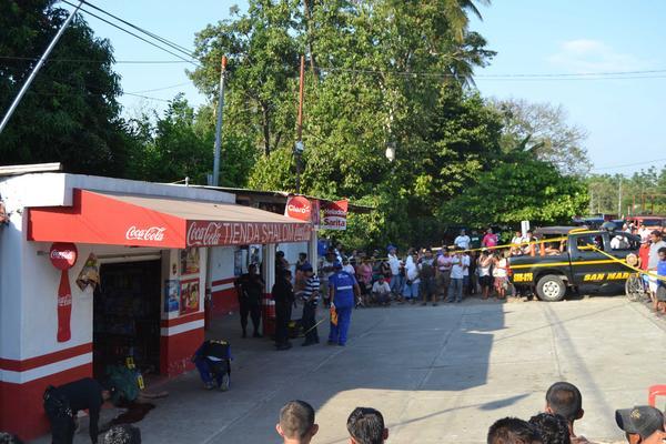 <p>En la abarrotería estaban jugando en una máquina tragamonedas las víctimas, cuando fueron sorprendidas a balazos. (Foto Prensa Libre: Cortesía)<br></p>