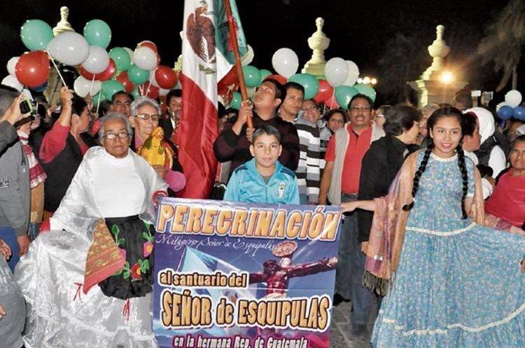 Personas de diferentes países participan en la tradicional Romería a Esquipulas. (Foto Hemeroteca PL)