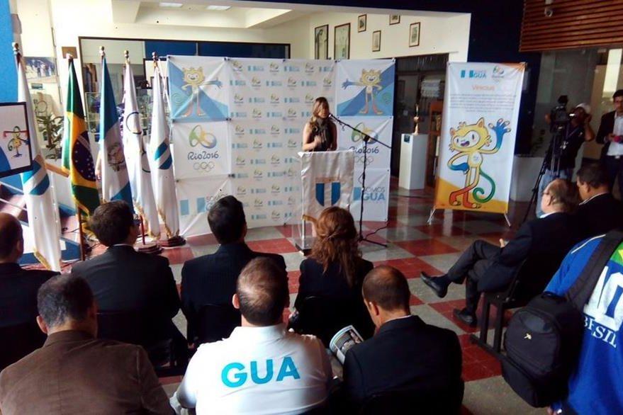 El Comité Olímpico Guatemalteco reveló un cronómetro con la cuenta regresiva para Río 2016. (Foto Prensa Libre: Norvin Mendoza)