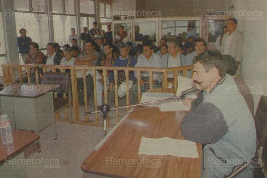 9/05/1997. Después de varios meses de recolectar las evidencias, inicia el debate público contra Cándido Noriega. (Foto: Hemeroteca PL).