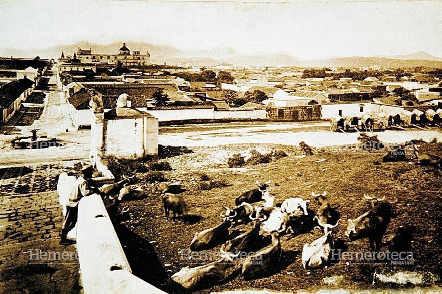 Ésta era la vista desde la cima del Calvario, podía apreciarse parte del Valle de la Ermita. (Foto: Hemeroteca PL)