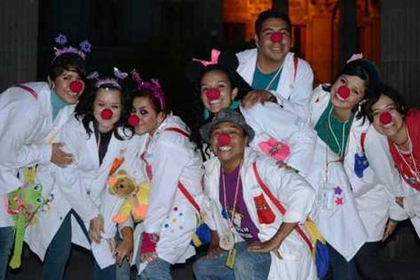 <p>bros de la Fábrica de Sonrisas de Quetzaltenango. (Foto Prensa Libre: Archivo)<br></p>