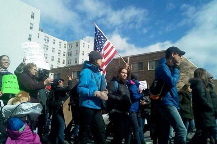 """Negocios cerrados en varias ciudades son parte de la protesta contra de """"Un día sin Inmigrantes"""". (Foto Prensa Libre: Cortesía Gabriela López)"""