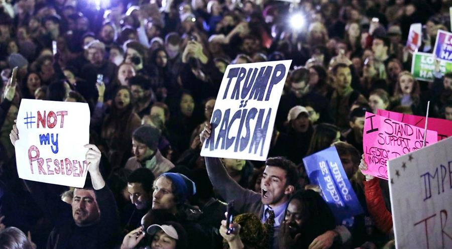 Massachusetts fue otra ciudad en donde se reportaron manifestaciones contra Trump.