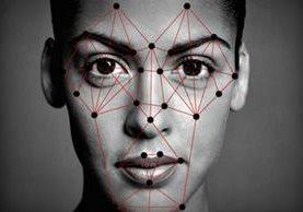 Cada vez son más los sistemas que emplean el reconocimiento facial para identificar a usuarios de diversos servicios. (Foto HemerotecaPL)