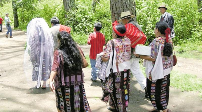 Dos matrimonios de adolescentes de 14 y 15 años se registraron el año pasado en Quetzaltenango (Foto Prensa Libre: Hemeroteca PL)