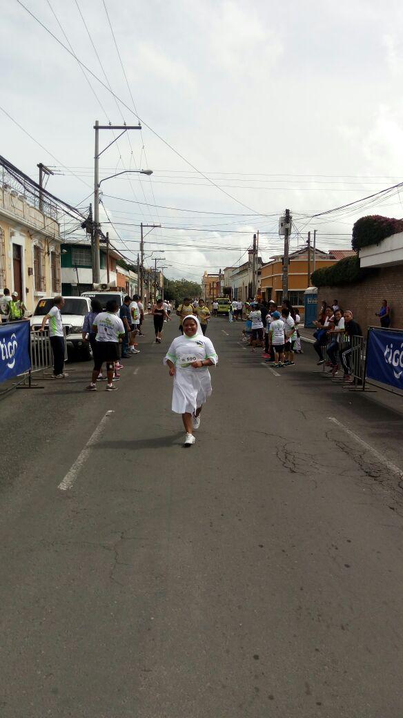La religiosa participó del evento que se efectuó este domingo. (Foto Prensa Libre: Cortesía)