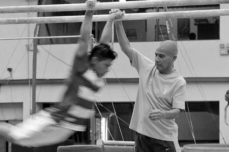 El entrenador Sergio Tejeda falleció este lunes por un infarto. (Foto Prensa Libre: Hemeroteca PL)