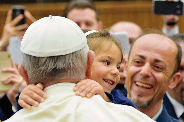 El Papa cree que la disciplina es necesaria al educar a los niños.