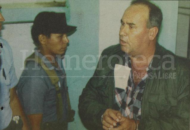 Arnoldo Vargas, ex alcalde zacapaneco aparece engrilletado en la granja penal de Pavón, poco antes de ser extraditado a Estados Unidos el 19 de mayo de 1992. (Foto: Hemeroteca PL)