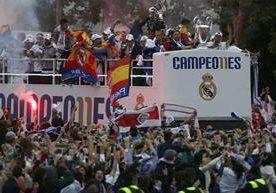 El Real Madrid festejó con su afición en Cibeles.