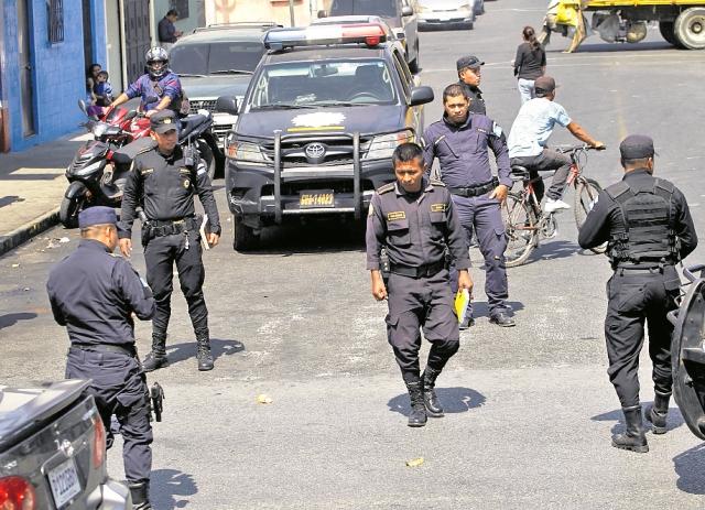 La Policía Nacional Civil ha estado en alerta ante las amenazas que han surgido de diversos grupos. (Foto Prensa Libre: Hemeroteca PL)