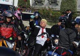 Miles de motociclistas participan en la Caravana del Zorro.