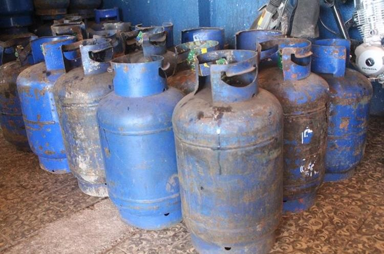 El incremento al precio del gas propano es a escala nacional. (Foto Prensa Libre: Ángel Julajuj)