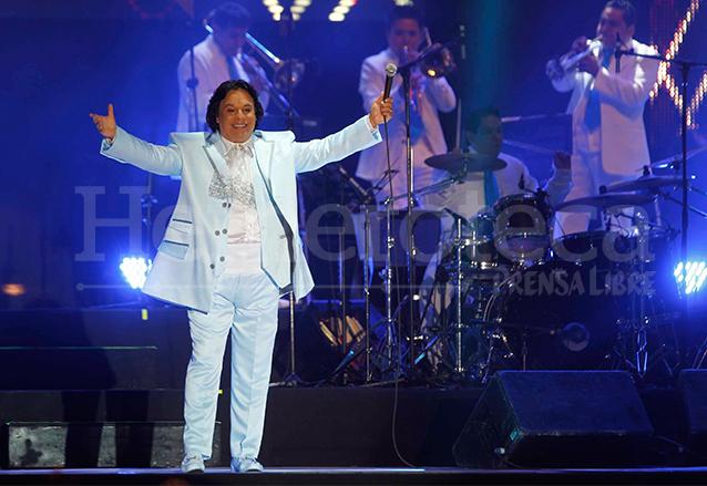 Juan Gabriel en su última presentación en Guatemala el 21 de septiembre del 2012. (Foto: Hemeroteca PL)