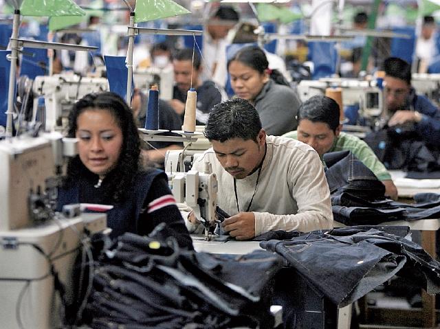 Las ventas de la industria de vestuario y textil aumentaron 12% a agosto último, reportó el Banguat. (Foto Prensa Libre: Hemeroteca)