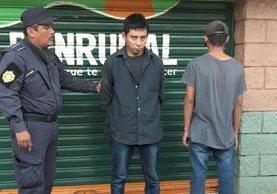 Capturados intentaban robar un cajero ubicado en Cuyotenango, Suchitepéquez. (Foto Prensa Libre: Melvin J. Popá)