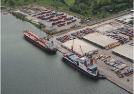 Santo Tomás de Castilla, ubicado en Izabal, es uno de los tres puertos importantes del país. (Foto Prensa Libre: Hemeroteca PL)