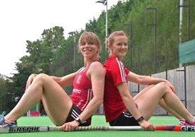Kate y Helen Richardson-Walsh, jugadoras de hockey del seleccionado de Gran Bretaña, es el primer matrimonio gay en unos Juegos Olímpicos (Foto Prensa Libre: tomada de internet)