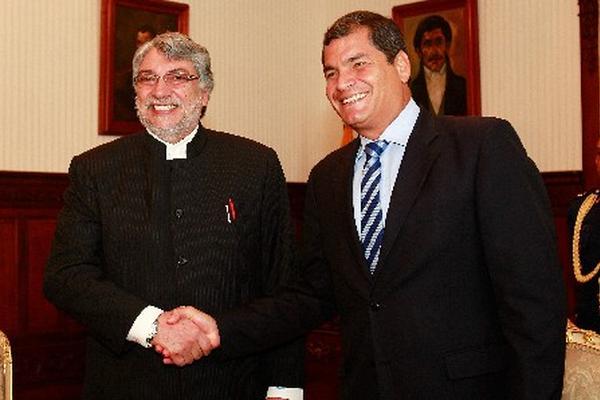 <p>El mandatario de Ecuador, Rafael Correa, junto al expresidente paraguayao Fernando Lugo.</p>