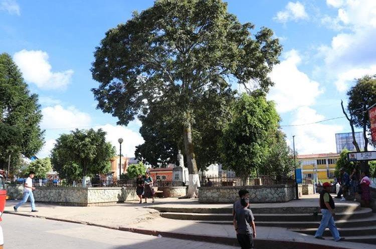 Parque Tecun Umán, Santa Cruz del Quiché, el cual será remodelado. (Foto Prensa Libre: Héctor Cordero)