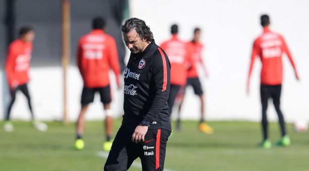 La selección de Chile viajó a Europa para la siguiente fase de preparación previo a la Copa Confederaciones. (Foto Prensa Libre: EFE).