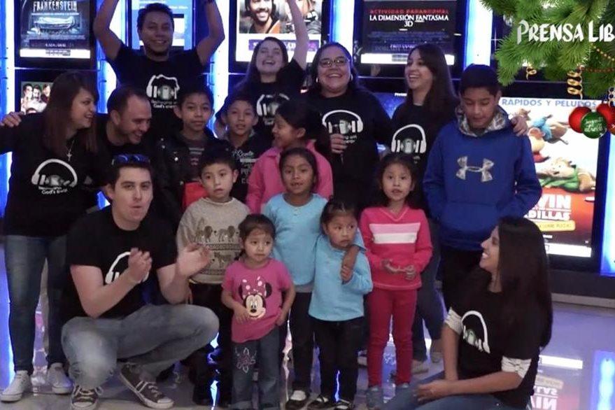 Los diez niños fueron llevados por los miembros de la comunidad San Juan Evangelista. (Foto Prensa Libre: David Castillo)