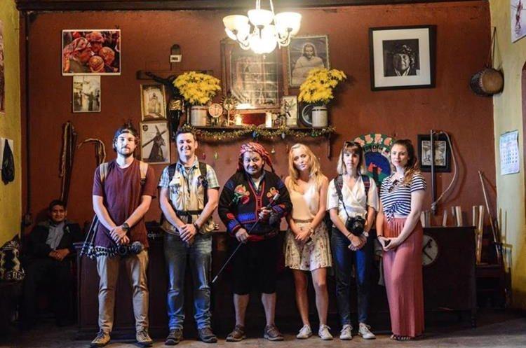 Los cinco influencers han tenido contacto con la cultura maya de Guatemala. (Foto Prensa Libre: Cata)