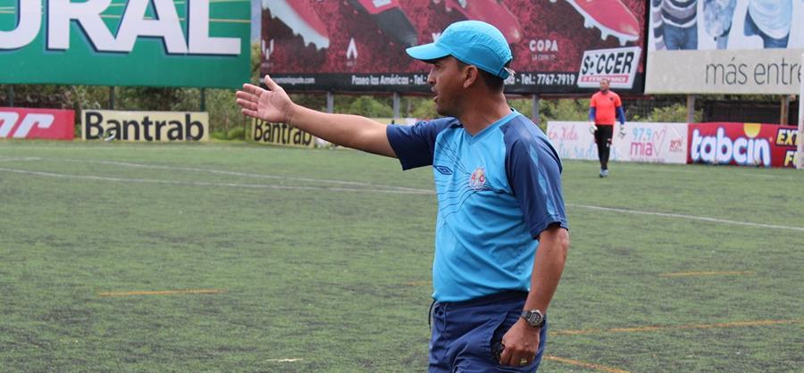 El entrenador Erick Gónzalez tendrá su primer reto al frente de la máquina quetzalteca en la liga de ascenso.(Foto Prensa Libre: Raúl Juárez)