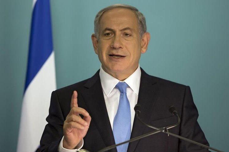 Benjamín Netanyah, durante una conferencia de prensa. El funcionario recibió críticas por sus declaraciones. (Foto Prensa Libre: EFE).