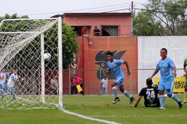 Sanarate se impuso categóricamente a La Nueva Concepción. (Foto Prensa Libre: Hugo Oliva)