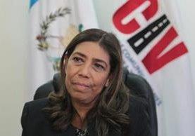 Sherry Ordóñez, se presentó como gerente de Guatel en conversatorio sobre subasta de la frecuencia 4G. (Foto Prensa Libre: N. Gándara)