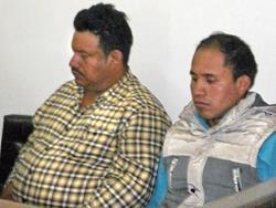 Antonio Itzep y su hermano Diego, durante el debate enfrentan por agresión contra periodista, en Quiché.