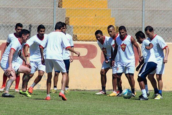 Los jugadores de Coatepeque quieren un resultado positivo en casa.