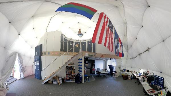 Interior de  la cúpula donde seis voluntarios se preparan a encerrarse  durante un año.