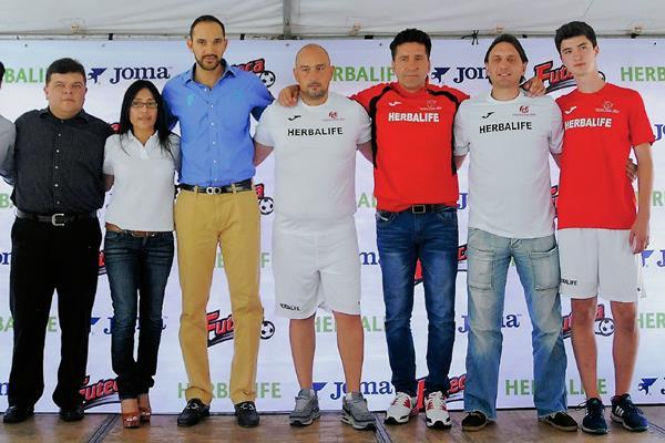 El convenio comercial entre Futeca, Joma y Herbalife fue oficializado en conferencia de prensa, en Futeca zona 14. (Foto Prensa Libre: Carlos Vicente)