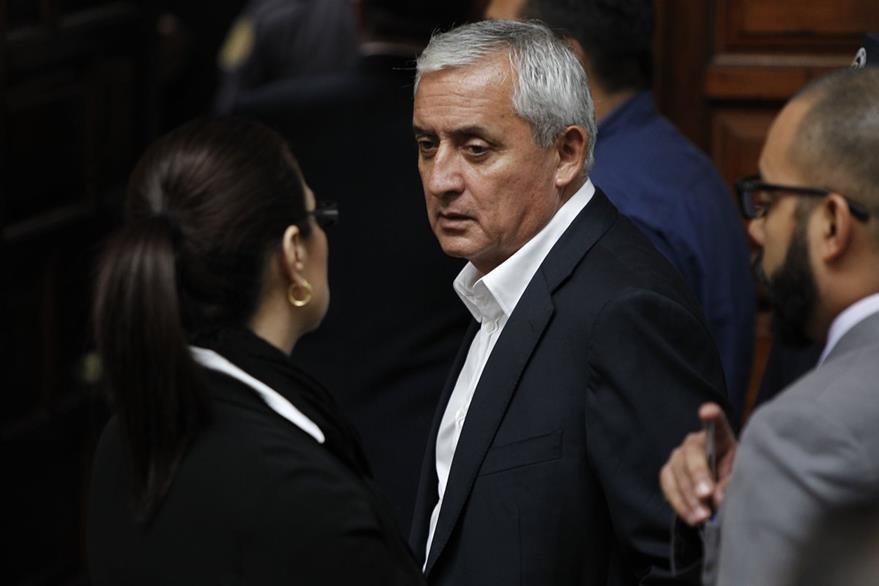 Otto Pérez y Roxana, en la audiencia judicial por el caso Cooptación del Estado. (Foto Prensa Libre: Hemeroteca PL)