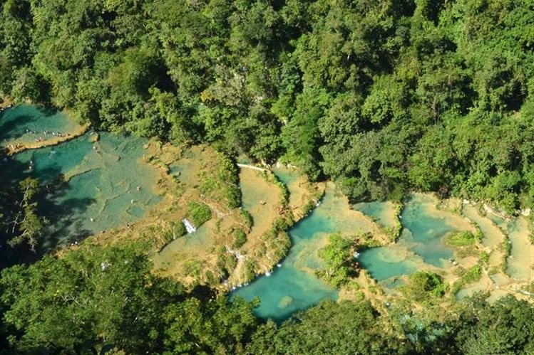 Vista aérea del parque natural Semuc Champey, Lanquín, Alta Verapaz. (Foto Prensa Libre: Eduardo Sam Chum)