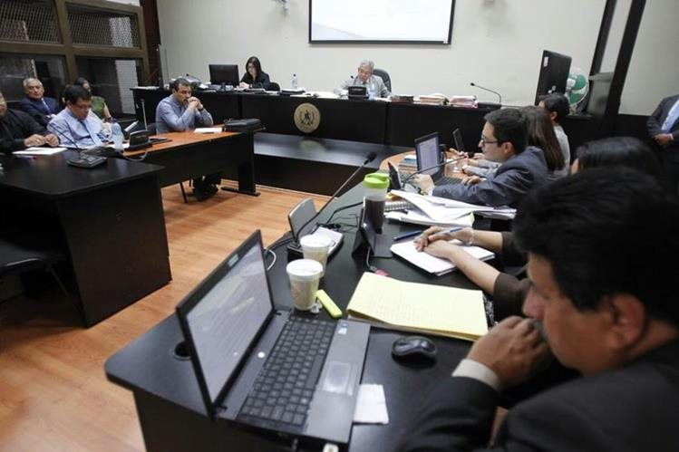 El Ministerio Público realizaba la acusación cuando la audiencia fue suspendida. (Foto Prensa Libre: Paulo Raquec)