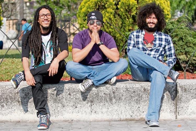 Artistas locales exponen temas con mezcla de ritmos. (Foto Prensa Libre: Keneth Cruz)