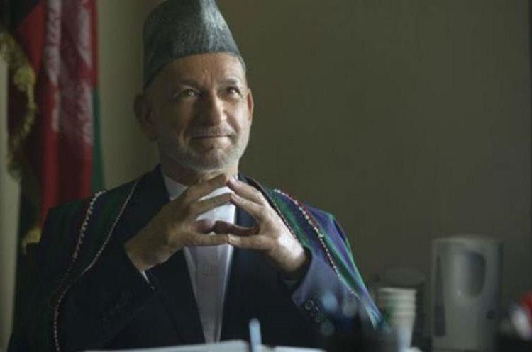 Ben Kingsley interpreta el papel del expresidente de Afganistán, Hamid Karzai. (FRANCOIS DUHAMEL/NETFLIX)