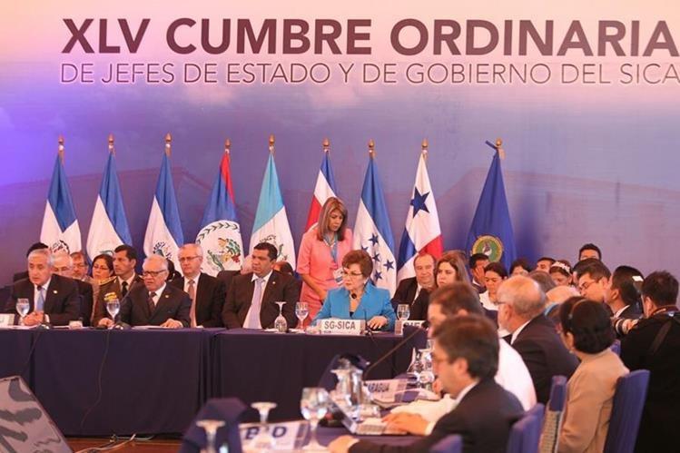 La reunión se desarrolla en la Antigua Guatemala. (Foto Prensa Libre: Esbin García).