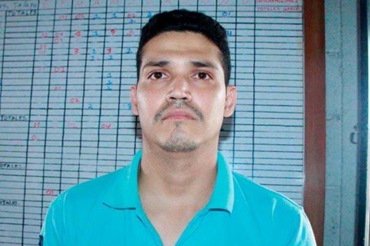 Guindder Lopreto fue detenido en Monjas, Jalapa, sospechoso de haber cometido cinco delitos. (Foto Prensa Libre: PNC).