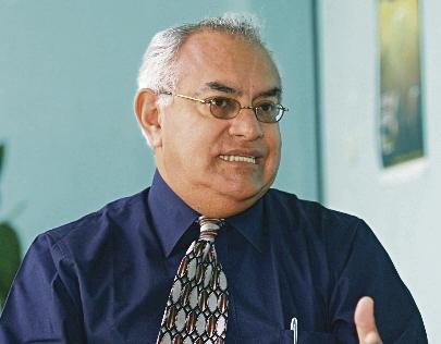 Leonel Oswaldo Enríquez Contreras, experto en Derechos Humanos, es el secretario privado del vicepresidente Alejandro Maldonado (Foto Prensa Libre: Hemeroteca)