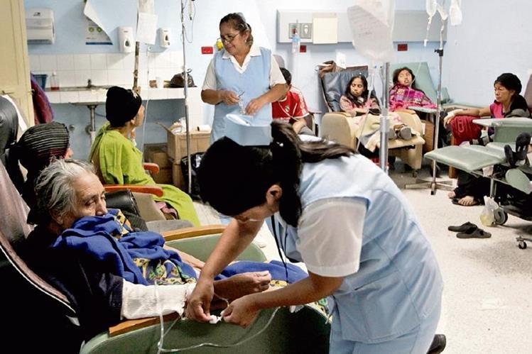 El ministerio de Salud tendrá más recursos luego de que la Comisión de Finanzas autorizara una readecuación presupuestaria. (Foto Prensa Libre: Hemeroteca PL)